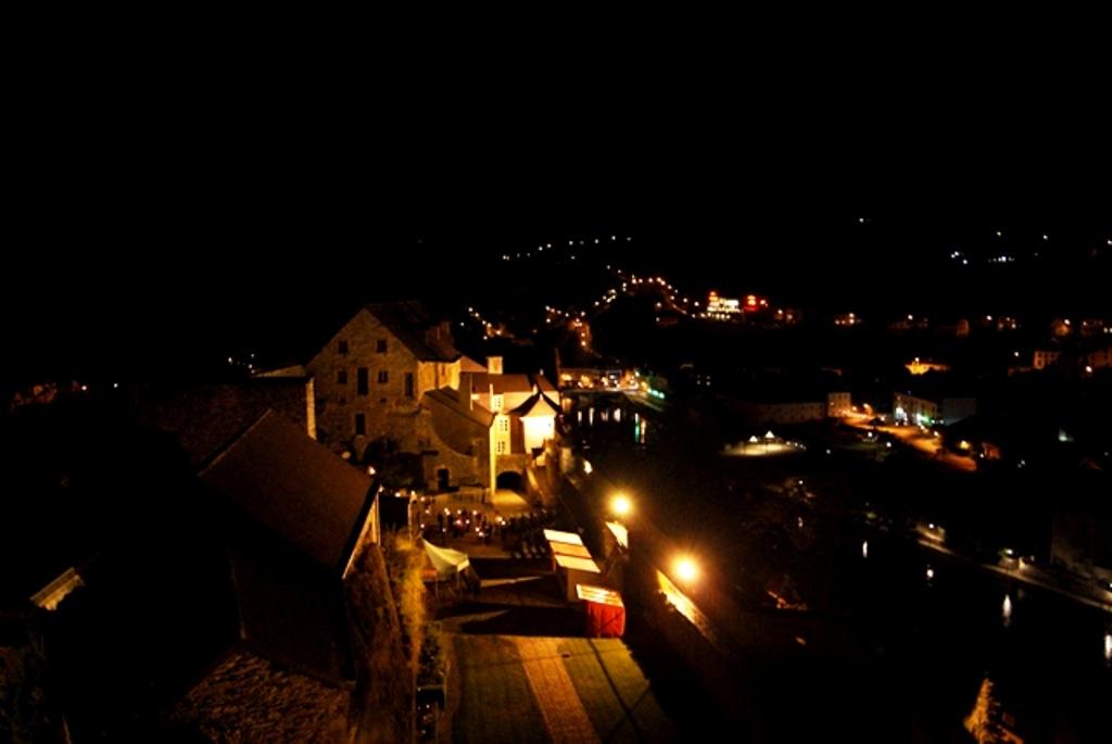 Visita nocturna la castillo
