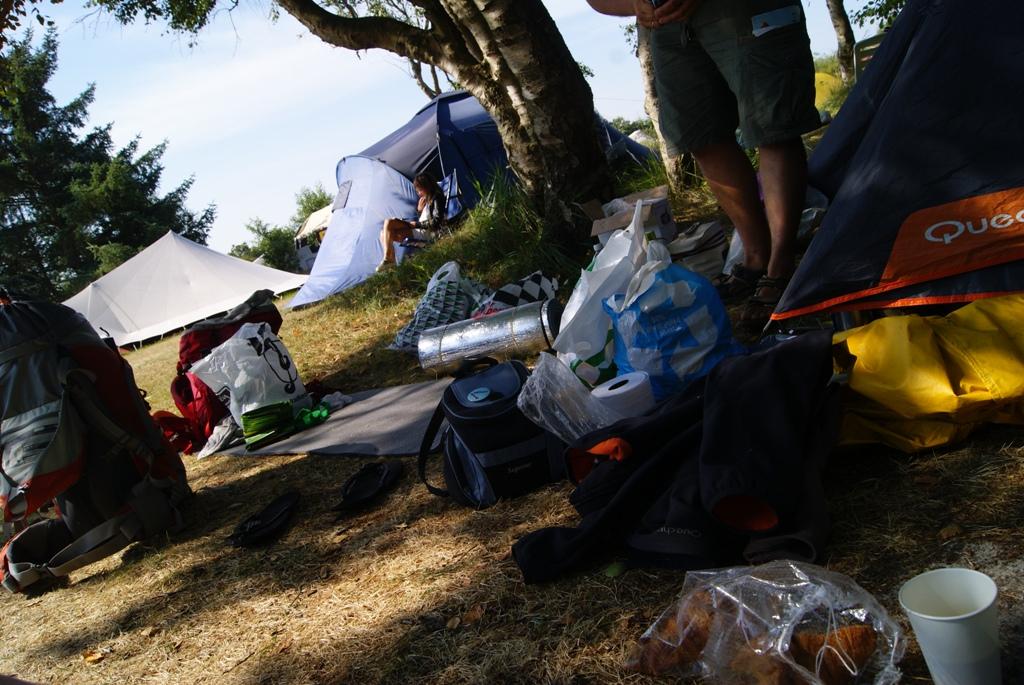 nuestra tienda y cosas en el camping kampwinkel en la isla de Schiermonnikoog Holanda