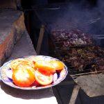Carne a la barbacoa con tomate