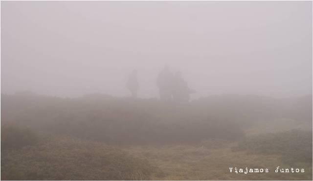 Navacerrada, Siete Picos, rutas, senderismo, niebla, sierra, montaña, naturaleza