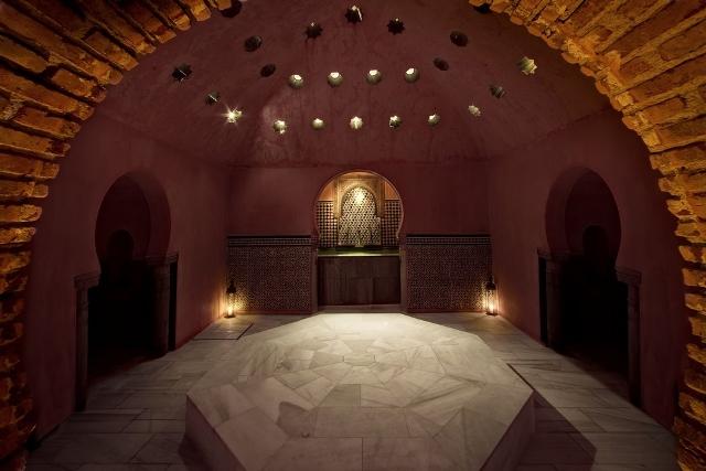 Sala templada, caliente, sierra nevada, granada, hammam, al andalus, relajarse, relax, descansar, masaje