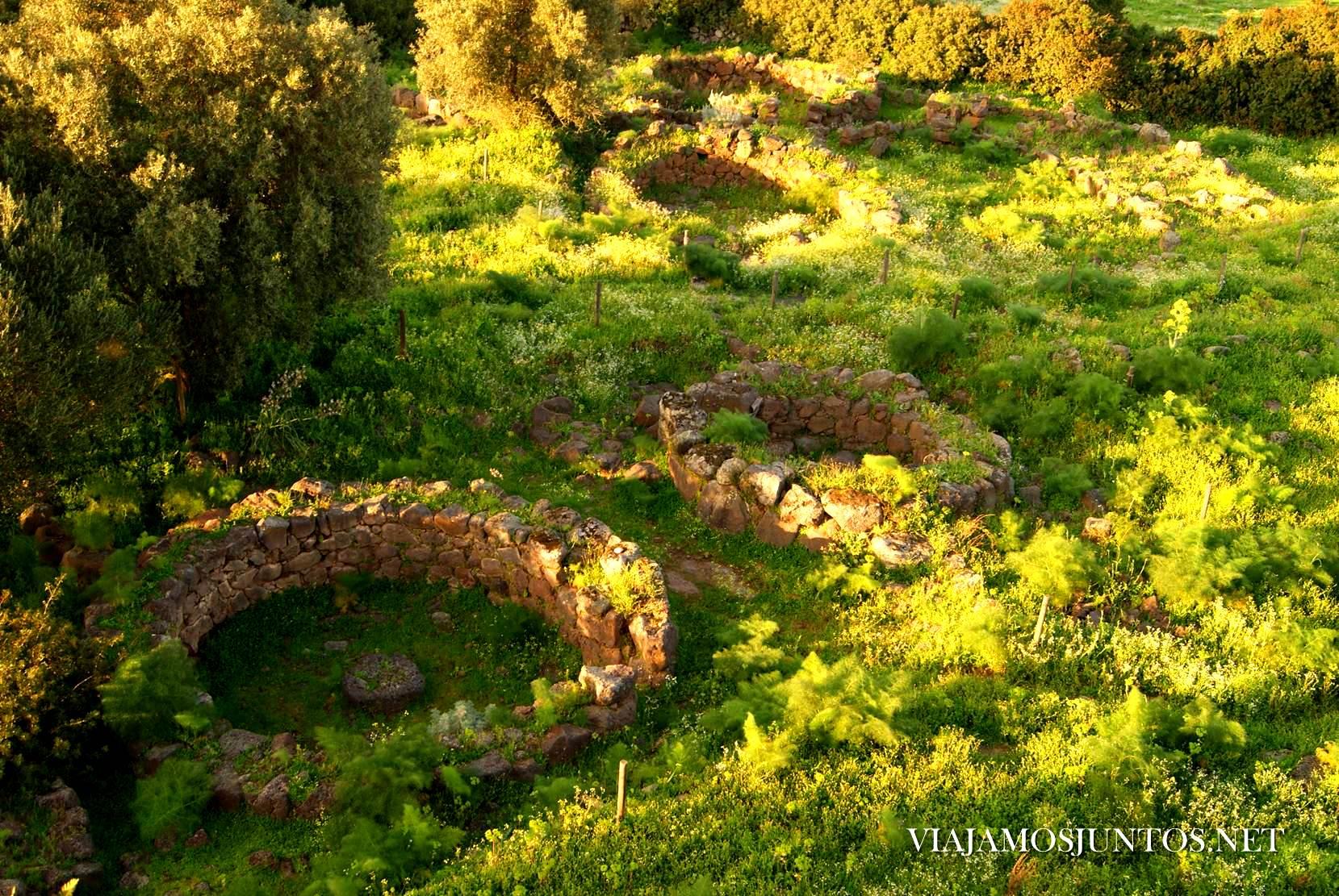 Italia, Cerdeña, Sardinia, viajar por libre, descubrir Cerdeña, indiana jones, aventura, nuraghe, tumba de gigantes, necropoli, tempiete