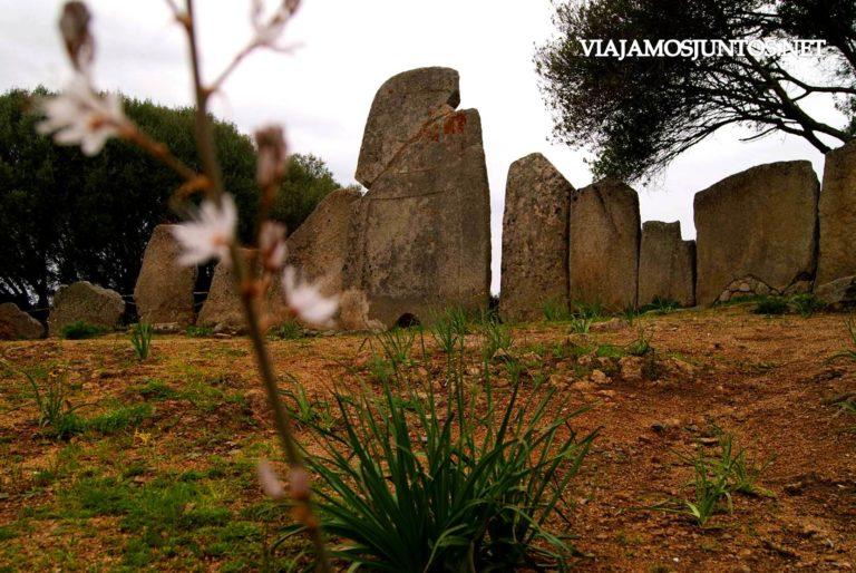 Italia, Cerdeña, Sardinia, viajar por libre, descubrir Cerdeña, indiana jones, aventura, nuraghe, tumba de gigantes