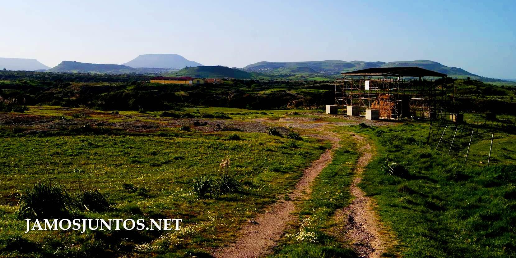 Italia, Cerdeña, Sardinia, viajar por libre, descubrir Cerdeña, indiana jones, aventura, nuraghe, tumba de gigantes, necropoli, tempiete, dolmen, Sa coveccada