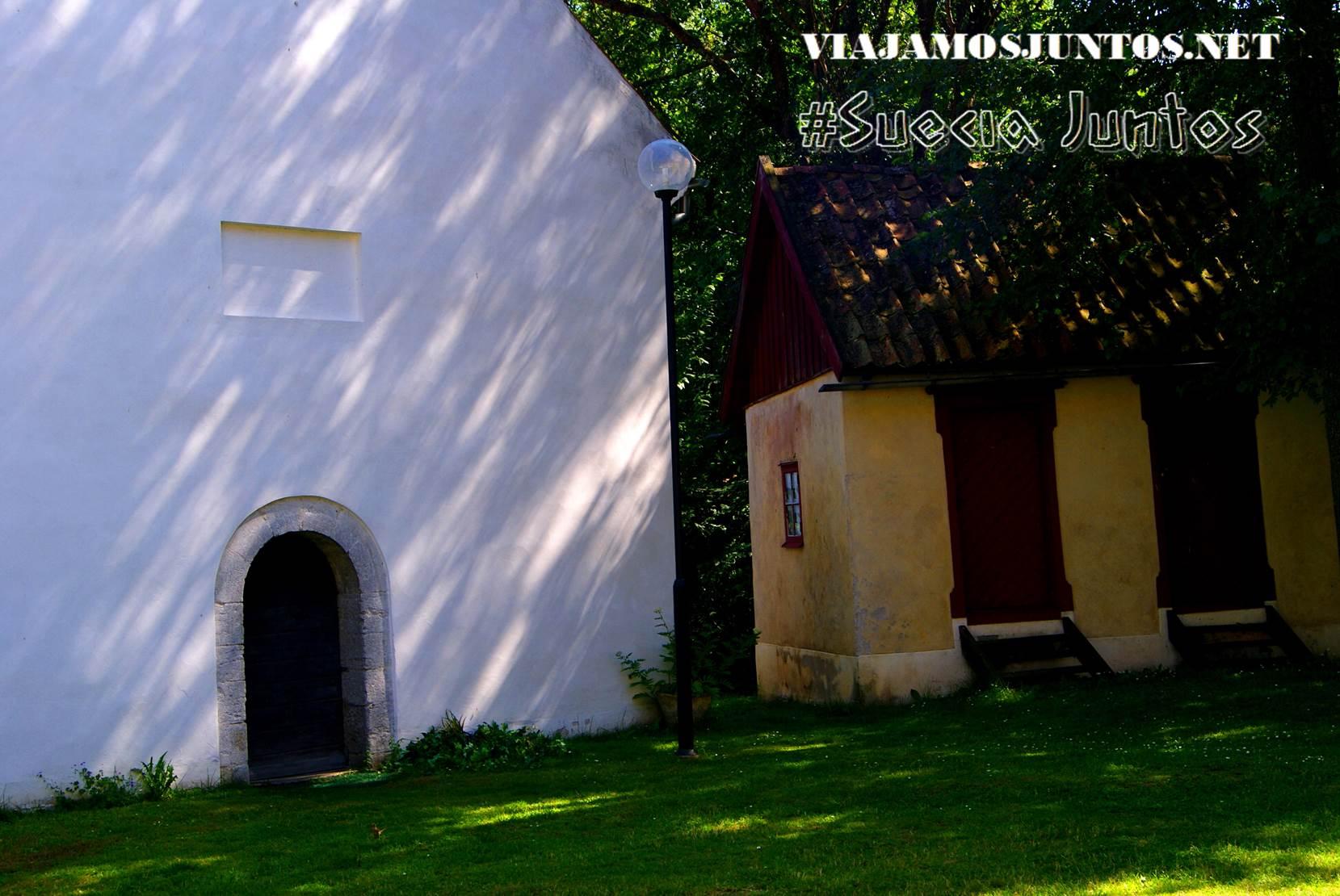 El interior del museo, con mucha simbólica ucraniana, isla de Gotland, Suecia