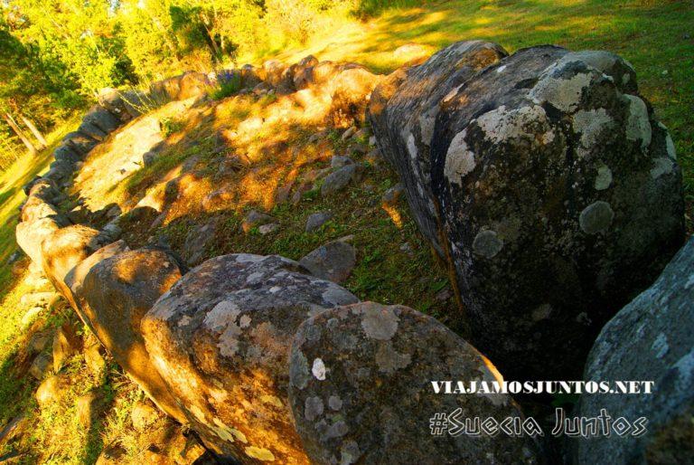 La tumba en forma del barco, la isla de Gotland, Suecia