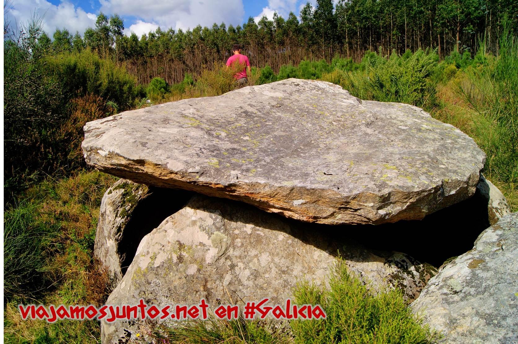 Dolmen Arca da Piosa; Ruta de los dólmenes de Vimianzo; Dumbría, Costa da Morte, Galicia