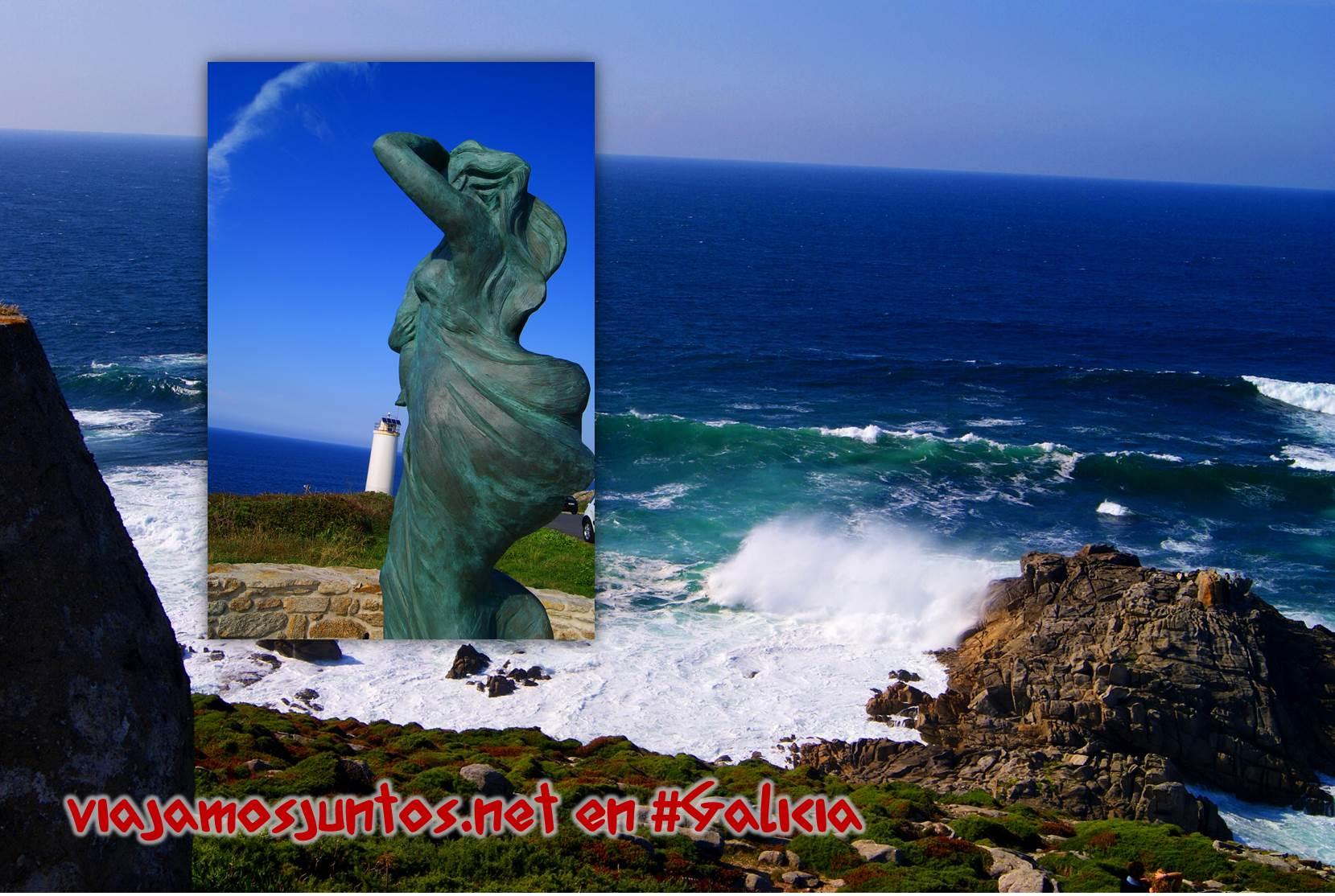 Cabo Laxe, Costa da Morte, Galicia; estatua a los desaparecidos en el mar