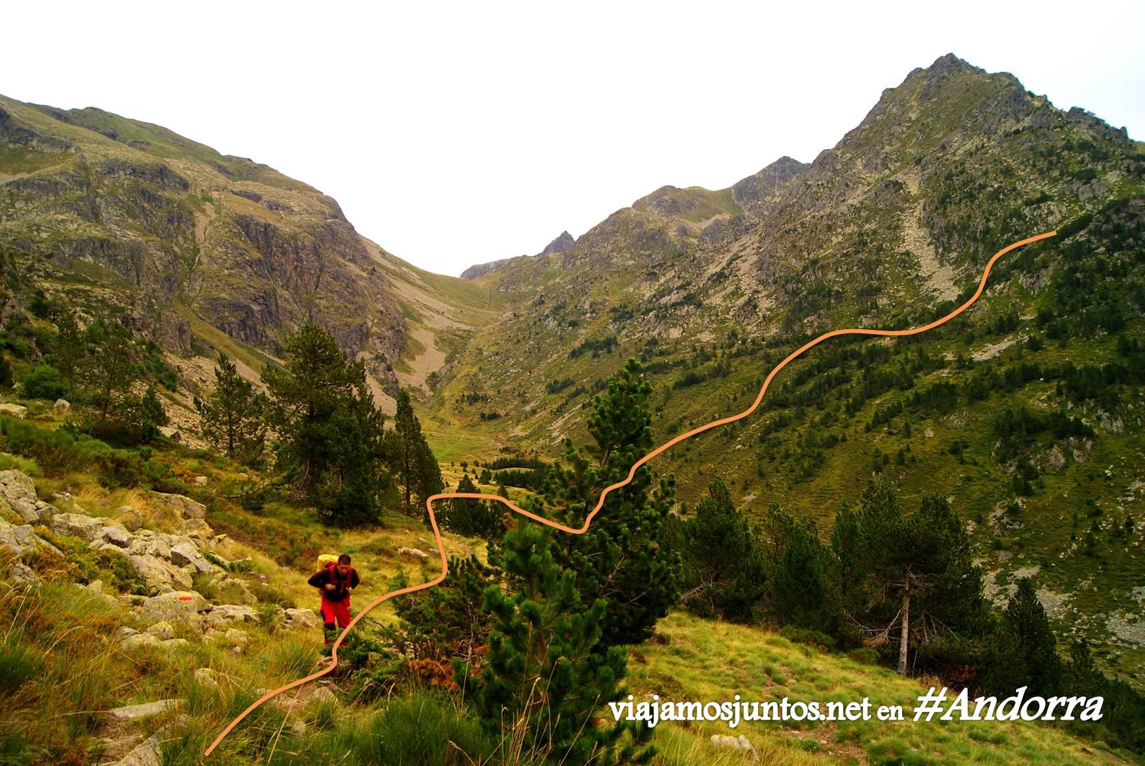 Desde el valle de Incles hacia el refugio de Cabana Sorda, Andorra trekking, Pirineo Oriental