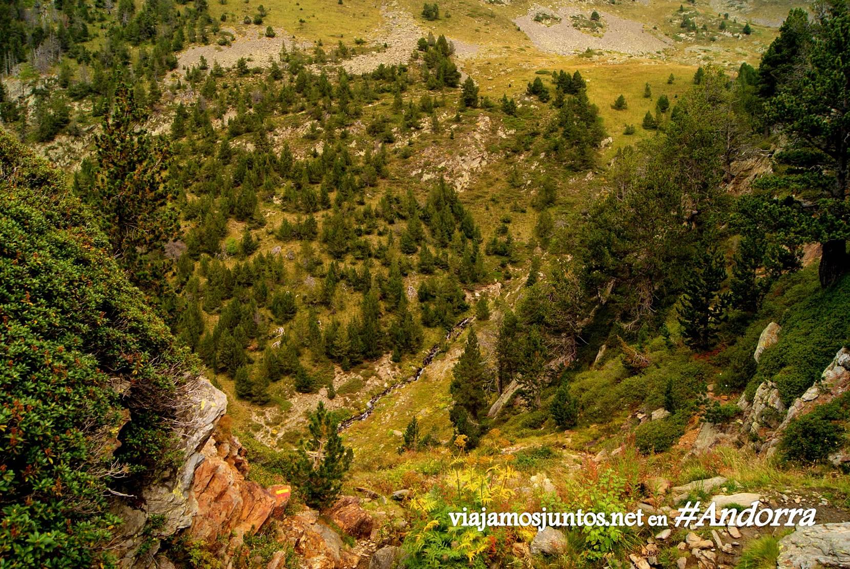 GRP de Andorra, trekking por los Pirineos Orientales; vistas con vértigo