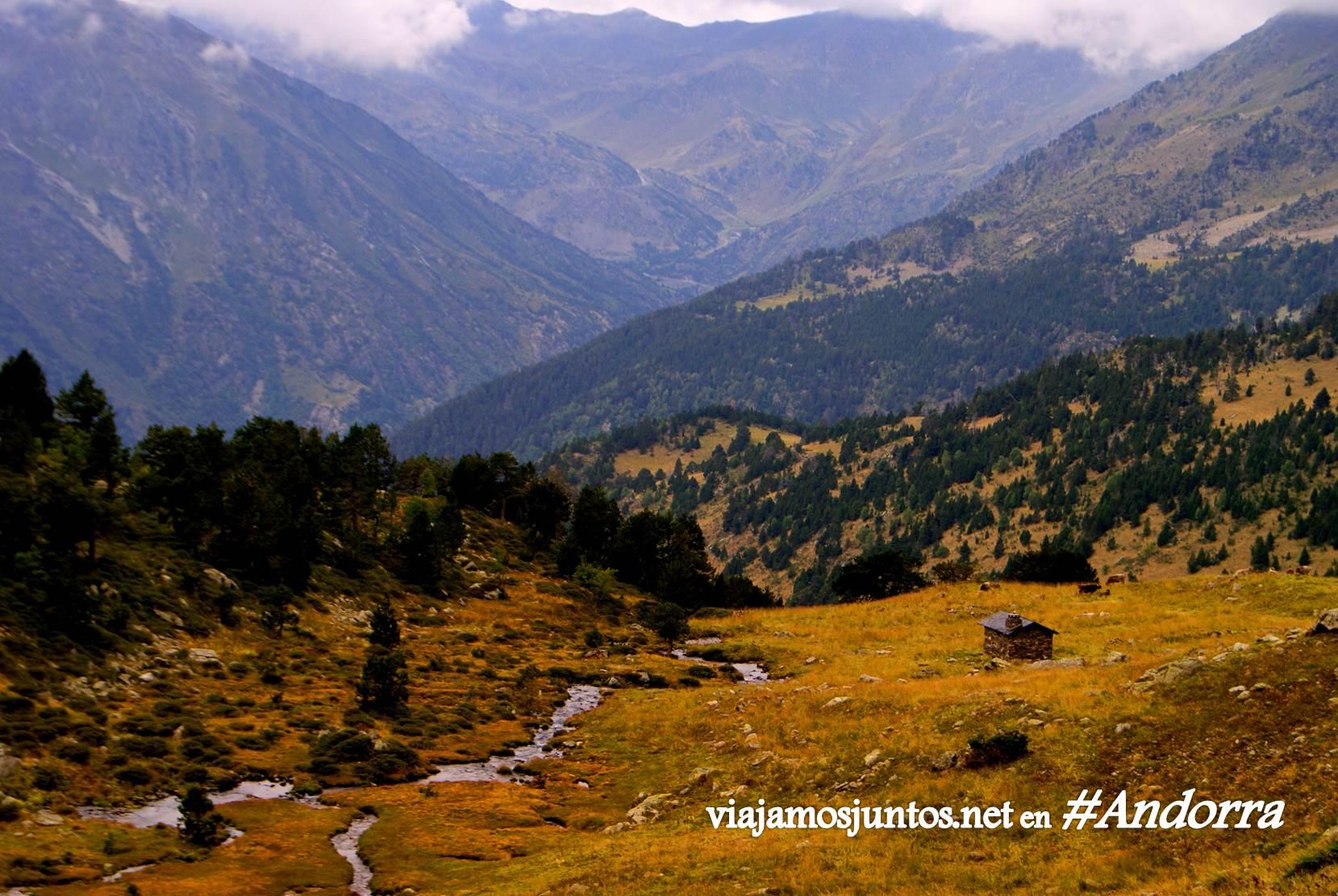 GRP de Andorra, trekking por los Pirineos Orientales; cabaña antes del refugio Bordes de Sorteny