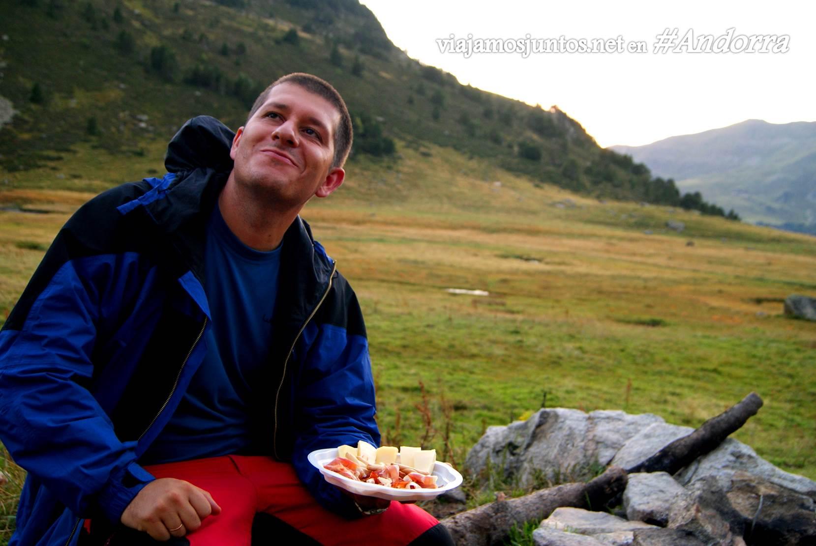 Atardecer desde el refugio de Siscaró sobre el valle de Incles, Andorra, GRP, Pirineos