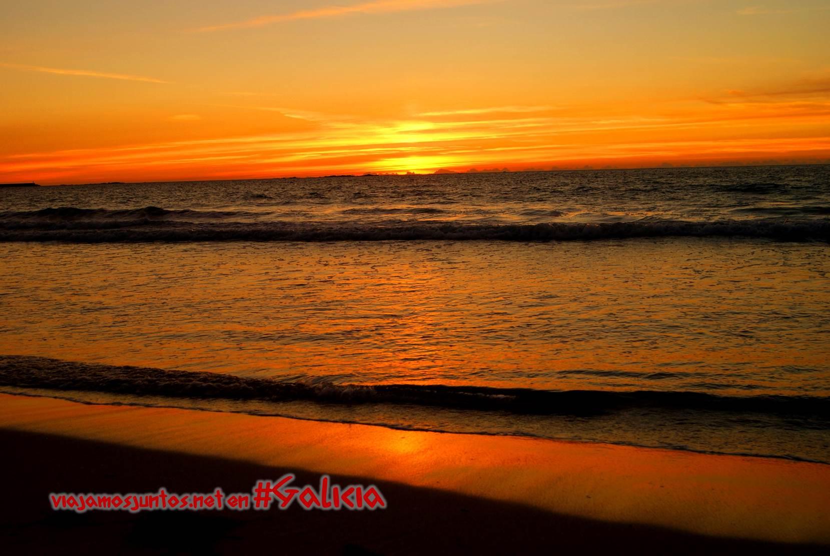Puesta del sol en la playa de Carnota; Costa da Morte, Galicia