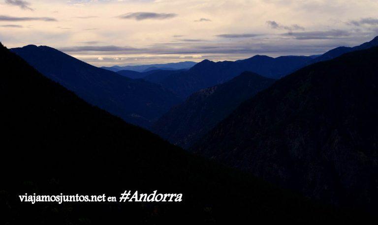 GRP de Andorra, un gran trekking alrededor del país, en los Pirineos Orientales; casi de noche