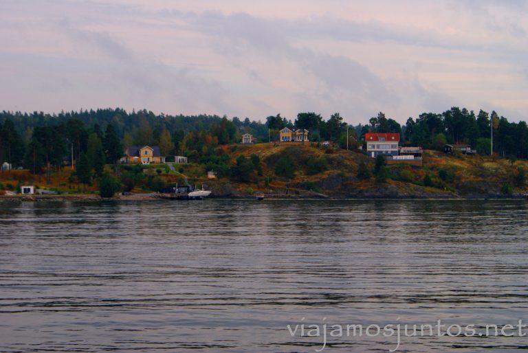 Casitas en las islas del archipiélago de Estocolmo