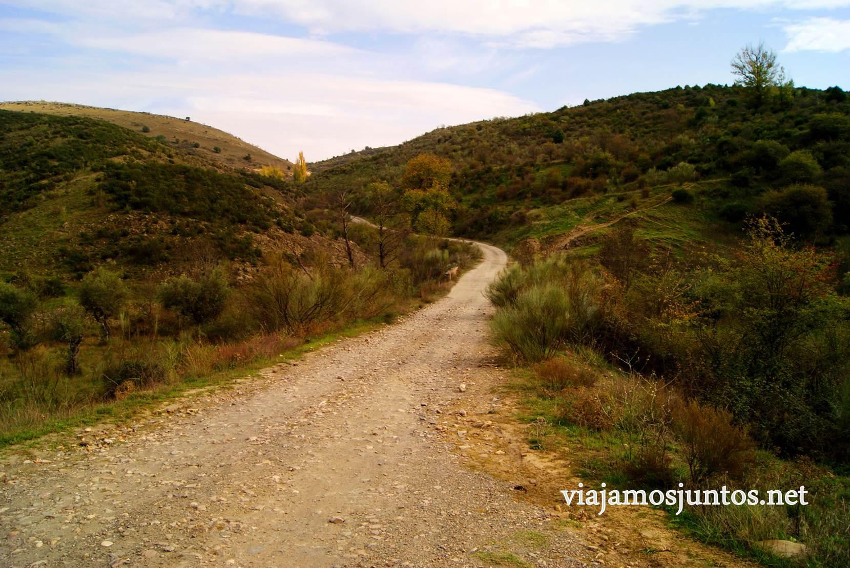 Ruta a las Cárcavas, Patones, Madrid; senderismo por sitios singulares de la Comunidad de Madrid; dirección pueblo