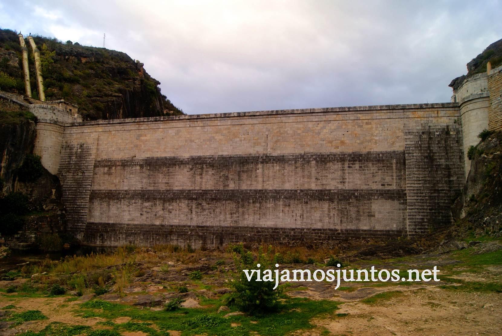 Ruta a las Cárcavas, Patones, Madrid; senderismo por sitios singulares de la Comunidad de Madrid; la presa del Pontón de la Oliva