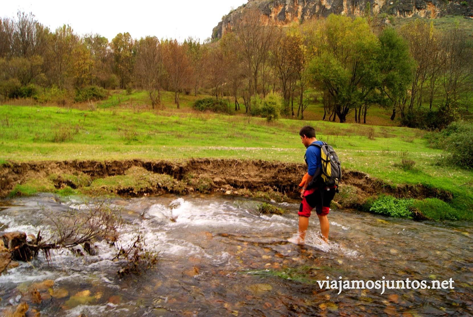 Ruta a las Cárcavas, Patones, Madrid; senderismo por sitios singulares de la Comunidad de Madrid; vadear ríos