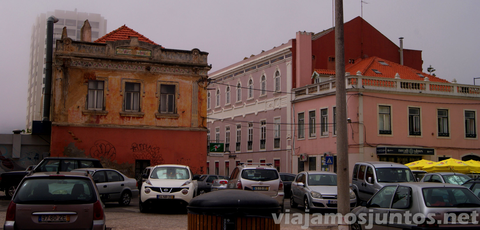 Parking gratuito de Setubal, comprando. Portugal