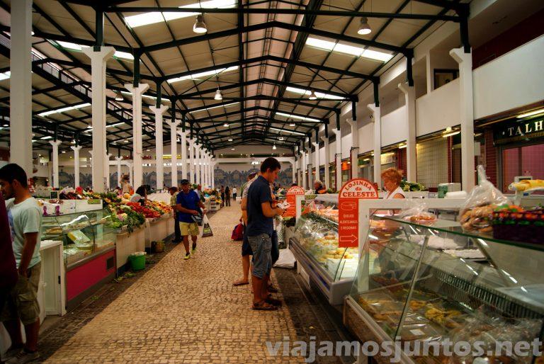Mercado Livramento de Setubal, comprando. Portugal