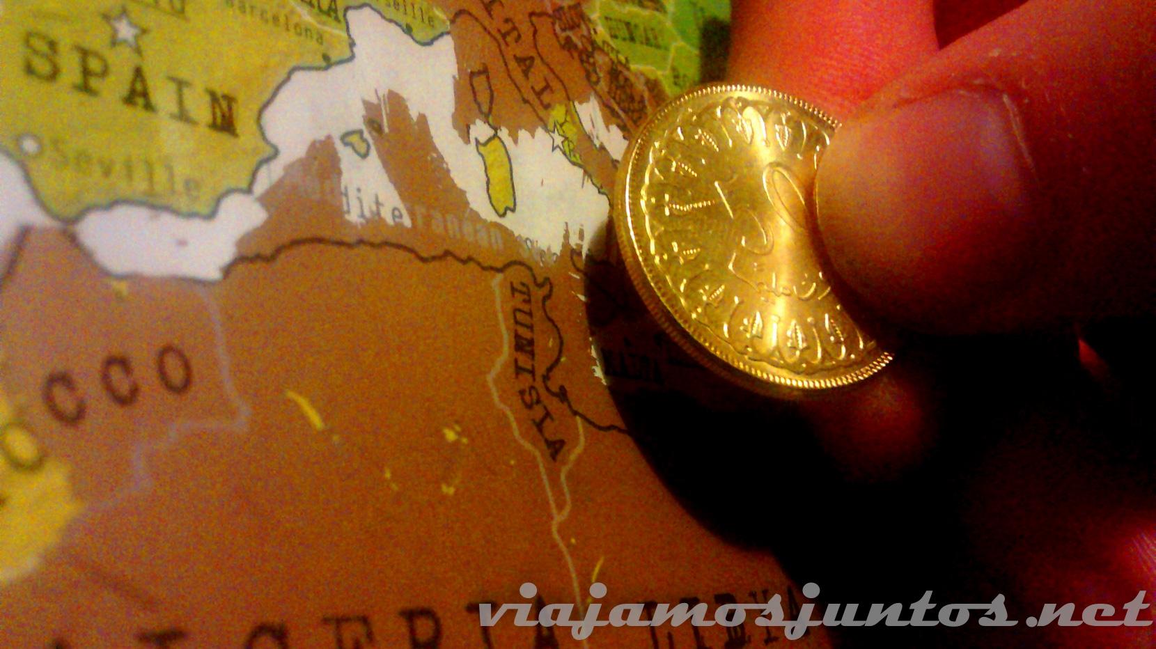 50 Milims = 1/20 parte del Dinar = 0,02 € (según el cambio actual)