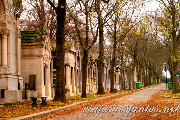 Paseando por el cementerio de Pere Lachaise. Cementerios de París, Pere Lachaise. Francia