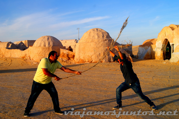 Luchando con Jesús de Vero4travel.... ¿Apuestas? Tozeur, el Sur de Túnez.