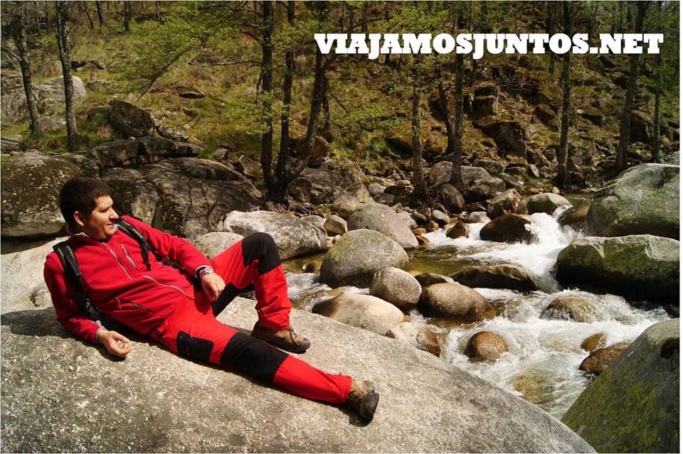 Descansando en las orillas del río. España
