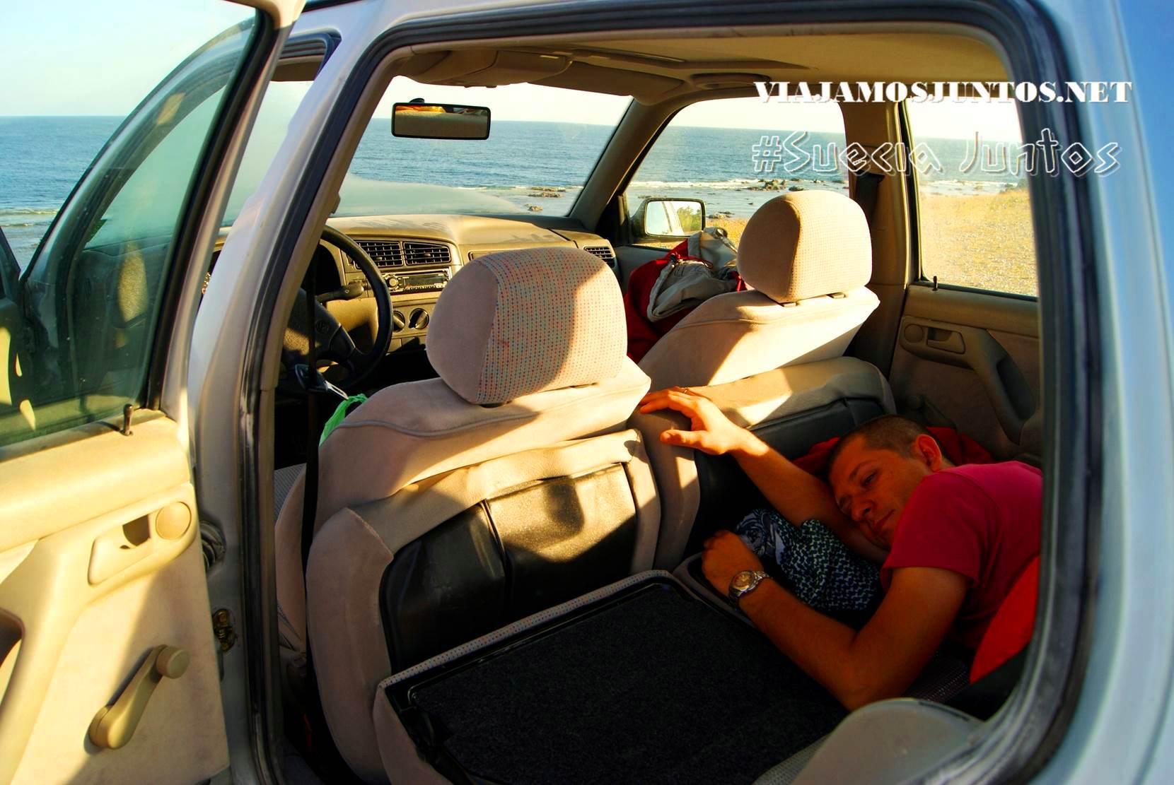 durmiendo en coche en la isla de Gotland, Suecia