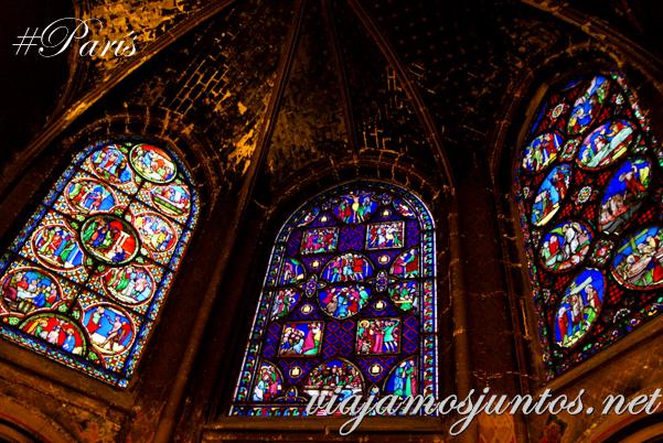 Vidrieras de la Iglesia de Saint Germain de L'Auxerrois, París, Francia.