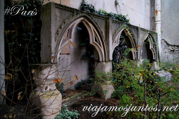 Restos antiguos de la Iglesia de Saint Germain des Prés, París, Francia.