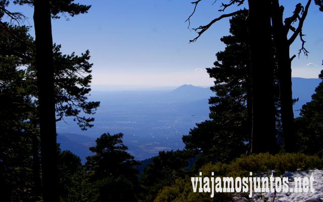 Madrid a lo lejos, Ruta cirular de Siete Picos, Sierra de Guadarrama, Parque Nacional Guadarrama, Madrid y Castilla y León