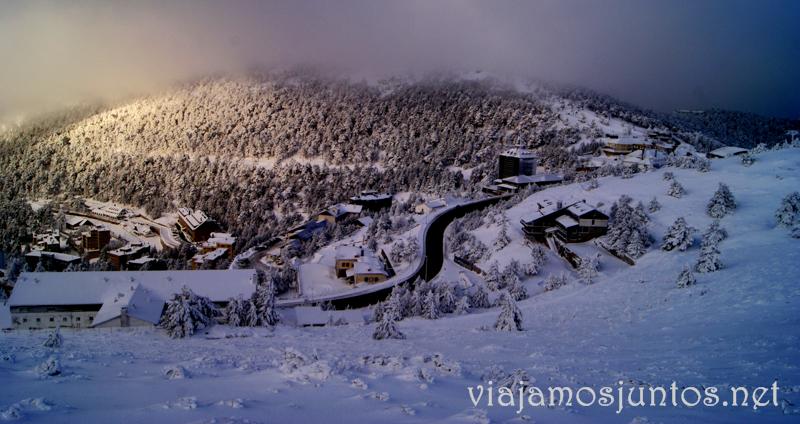 Esquí de fondo, una ruta de senderismo y trineos, y mucha diversión en la nieve en Navacerrada, Sierra de Guadarrama, Parque Nacional. Madrid
