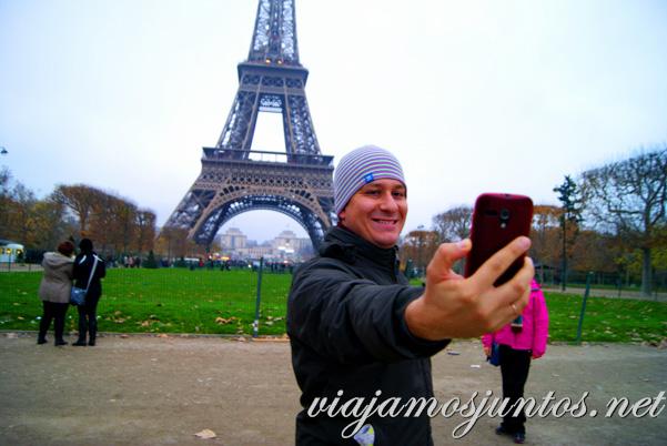 ¿Un selfie con la Torre Eiffel? París, Francia.