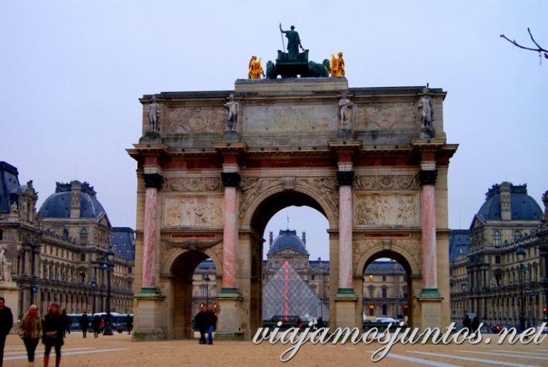 El Louvre desde los Jardines de Tullerías. París, que ver y que hacer en cuatro días
