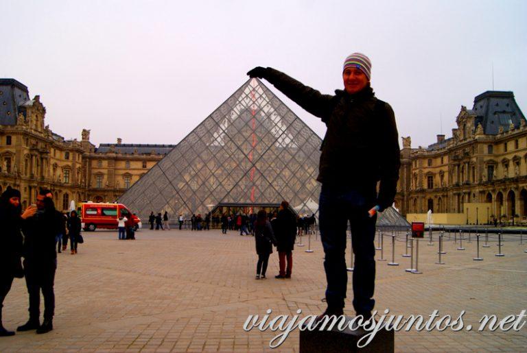 Tocando la pirámide. París, que ver y que hacer en cuatro días