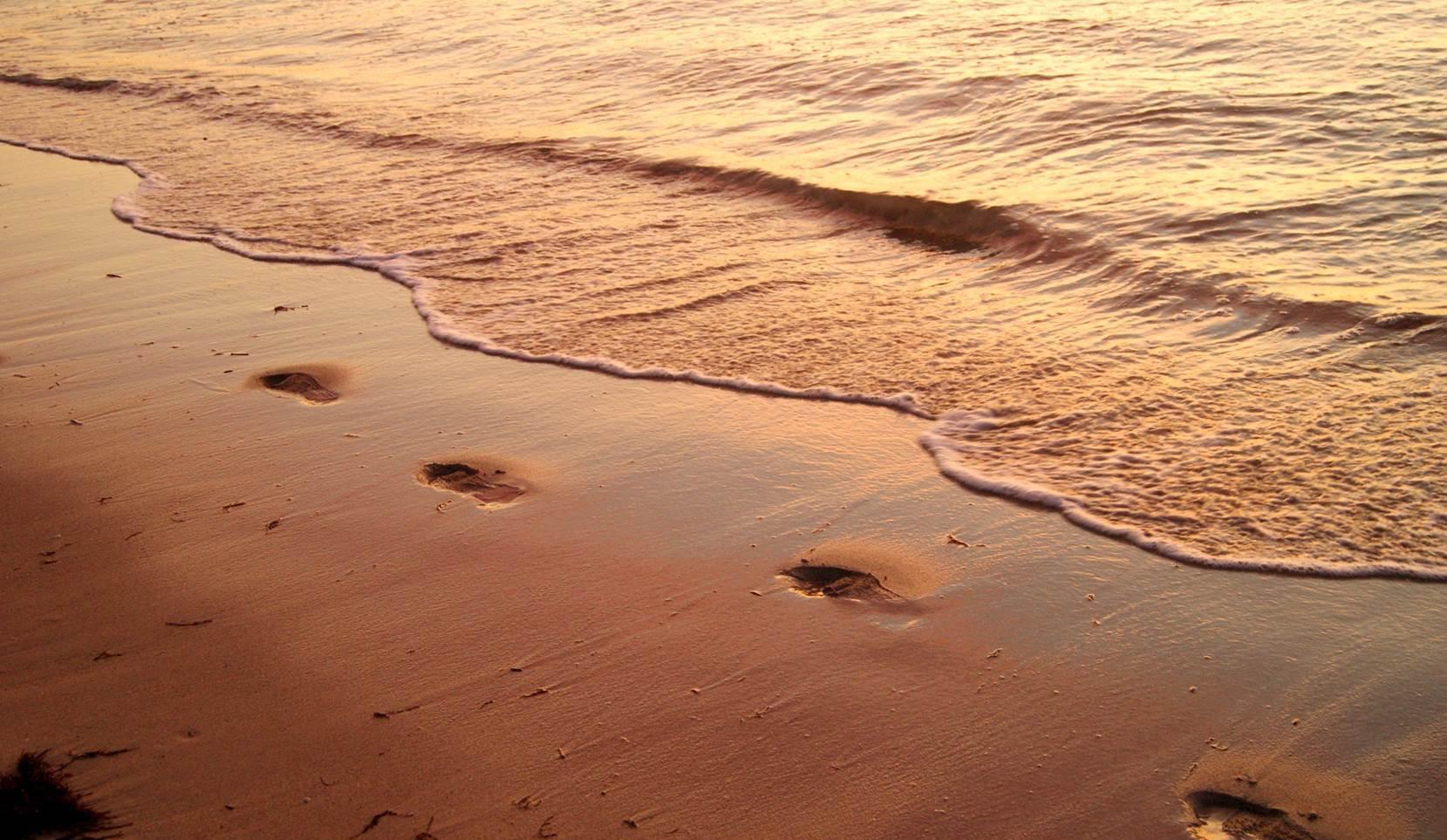 correr por la playa al atardecer....