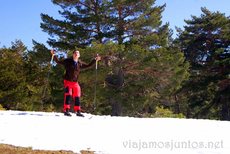 Denys feliz Esquí de fondo durante #MadTBNieve, @MadridTB Madrid Travel Bloggers en Parque Nacional de Guadarrama
