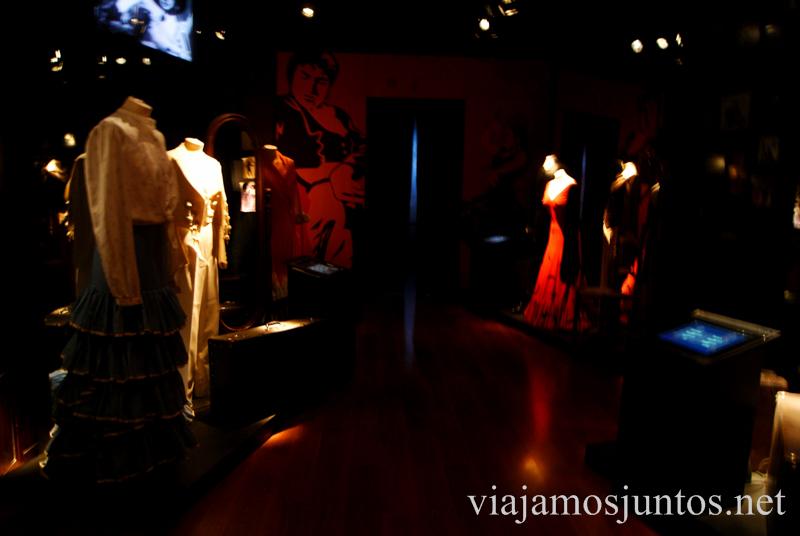 Los trajes de flamenco que invitan a crear arte Museo del Baile Flamenco. Sevilla #SevillaInside