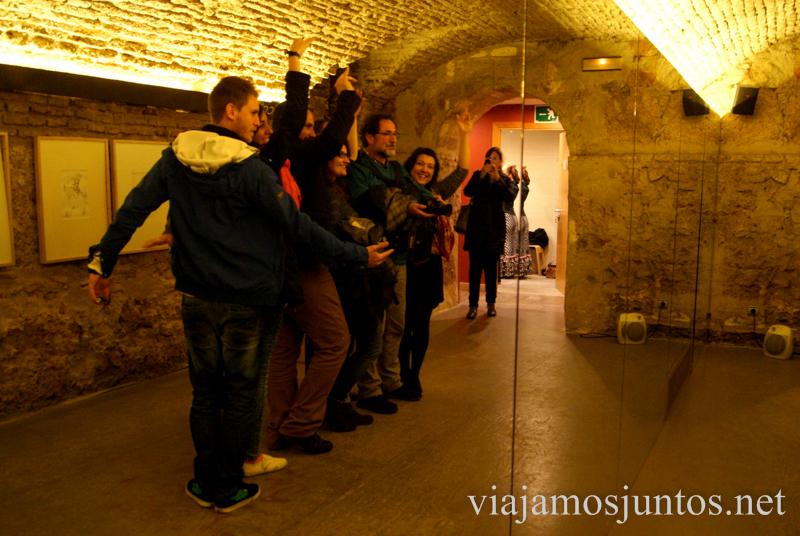 Bailando flamenco... o por lo menos, lo intentamos ;)  Museo del Baile Flamenco. Sevilla #SevillaInside