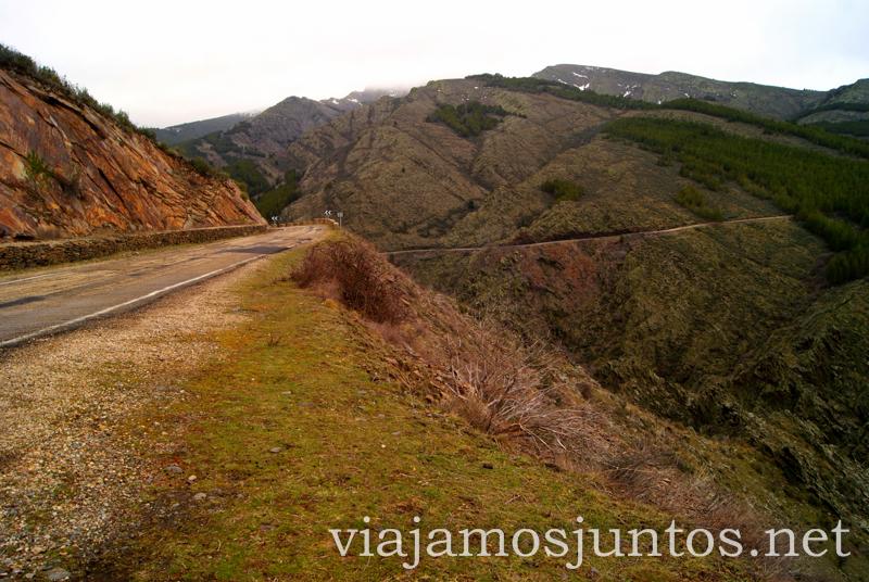 Carretera para llegar a la Puebla de la Sierra Pueblos con encanto de la Sierra Norte de Madrid, Puebla de la Sierra, la Hiruela