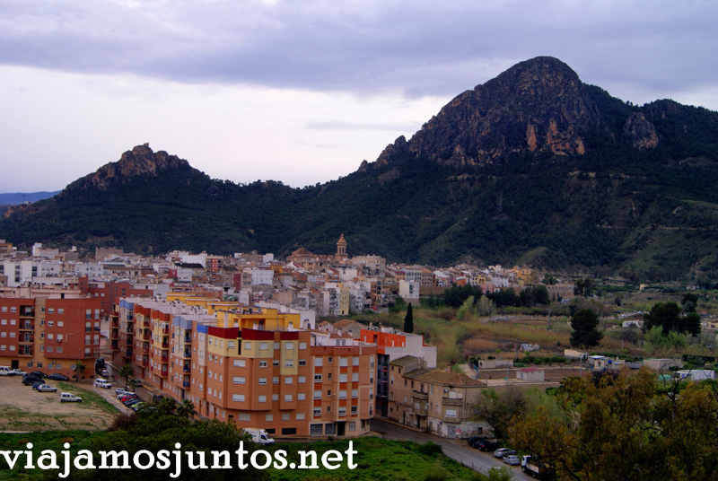Vistas de Cieza desde la ermita Ruta en coche por el Valle de Ricote, Murcia. Pasado islámico