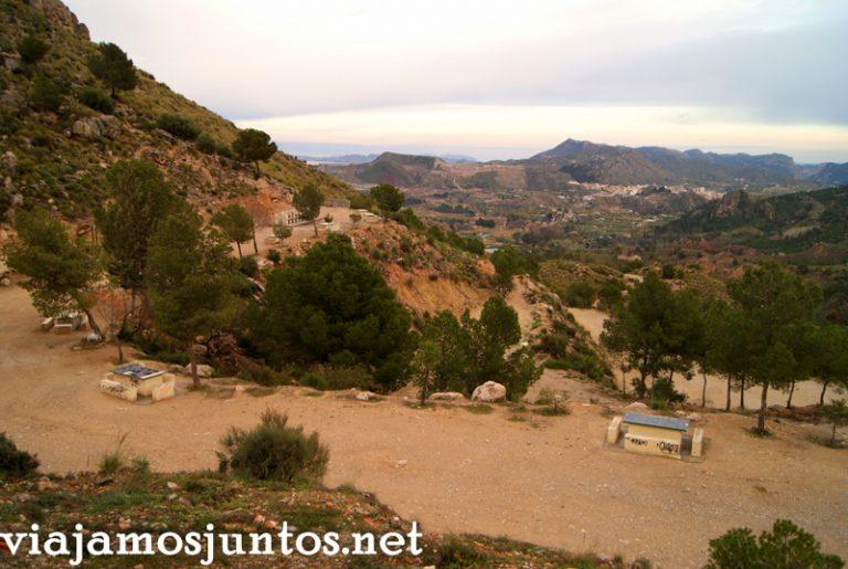 Inicio de la senda Ruta en coche por el Valle de Ricote, Murcia. Pasado islámico