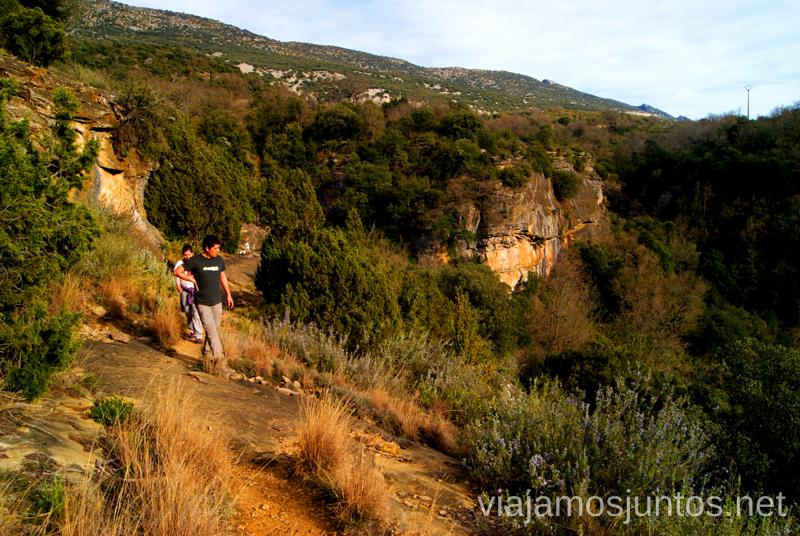 Seguimos hasta Rodellar, acompañados de vistas de vértigo Ruta circular Camping el Puente - Rodellar. Huesca, Aragón.