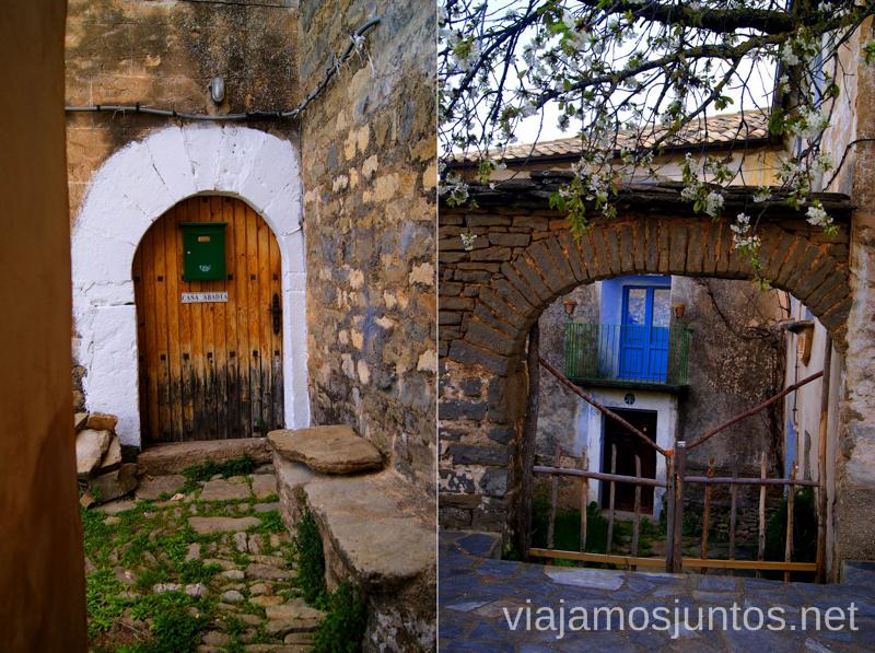 Puertas del pueblo Ruta circular Camping el Puente - Rodellar. Huesca, Aragón.