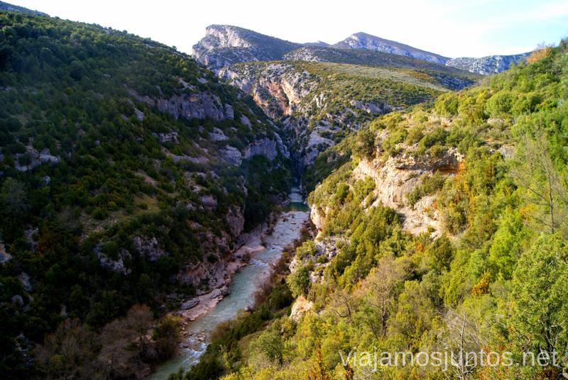 El río desde arriba Ruta circular Camping el Puente - Rodellar. Huesca, Aragón.
