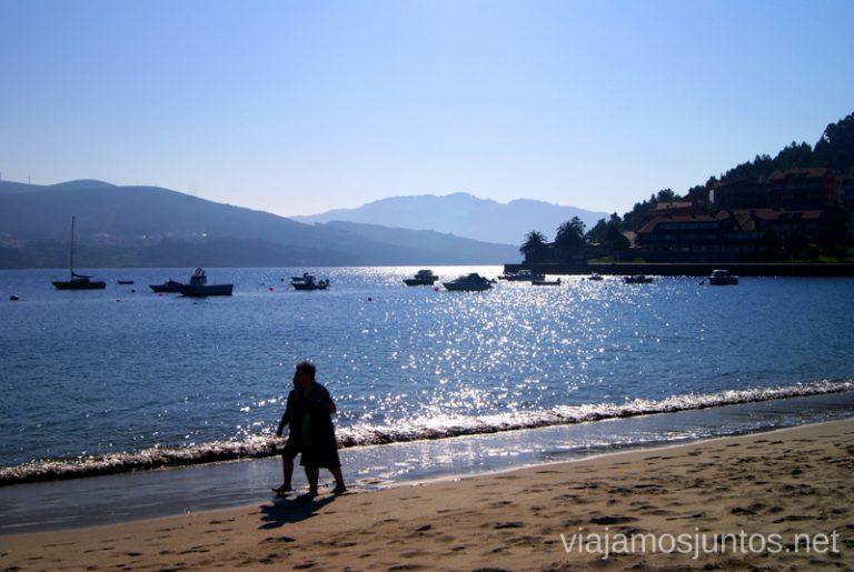 Tranquilidad brillante de la playa de Corcubión