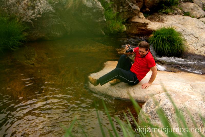 Aquí es donde se cruza el río si el nivel del agua lo permite  Ruta de la Chorrera, Hervás, Extremadura.