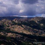 Descansando con vistas Ruta circular por La Pedriza, Parque Regional de la Cuenca Alta del Manzanares, Madrid