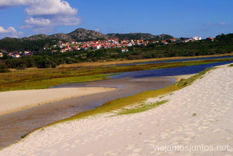 El lago de la playa de Louro Mejores playas de la Costa da Morta, Galicia